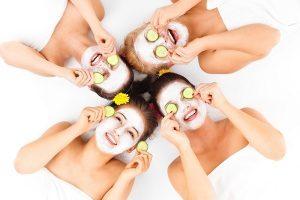 Gesichtsbehandlung für den Sommer
