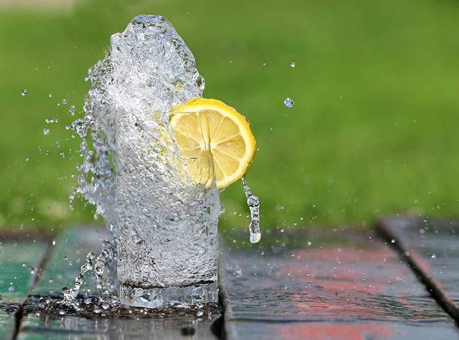 14 Gründe, täglich Zitronenwasser zu trinken